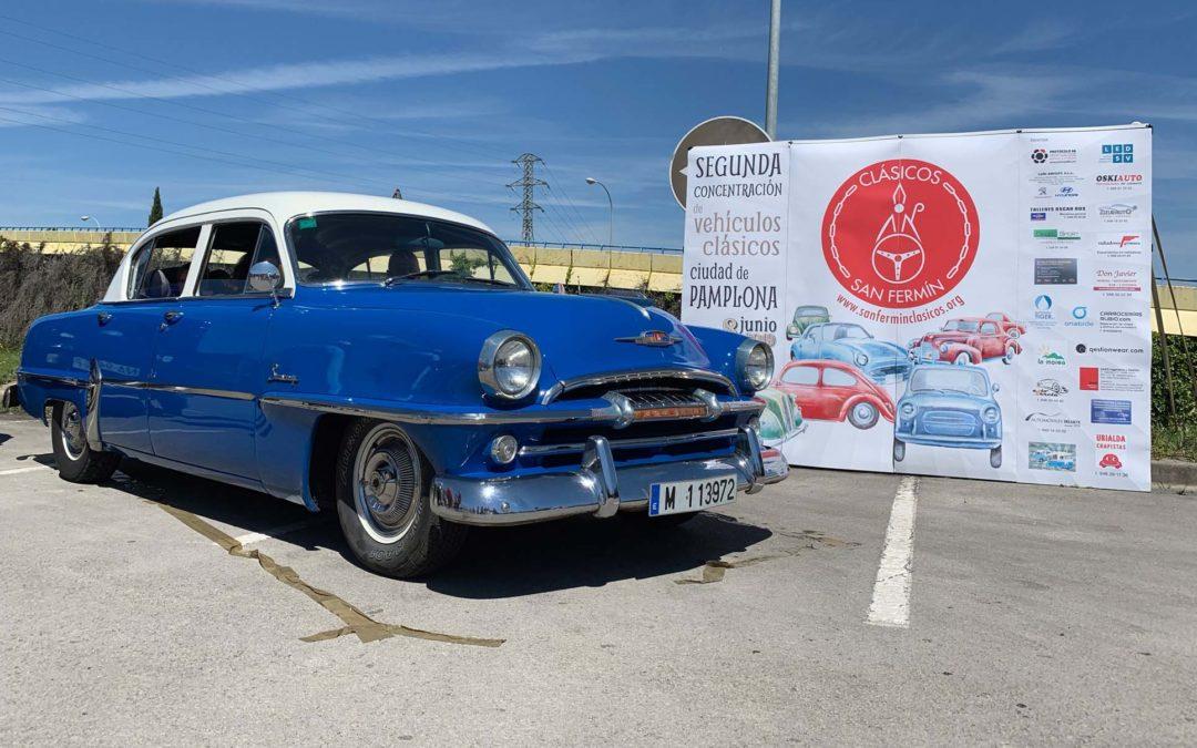 Los coches de nuestros socios: Josetxo, Mapi y su Plymouth Savoy del año 1954